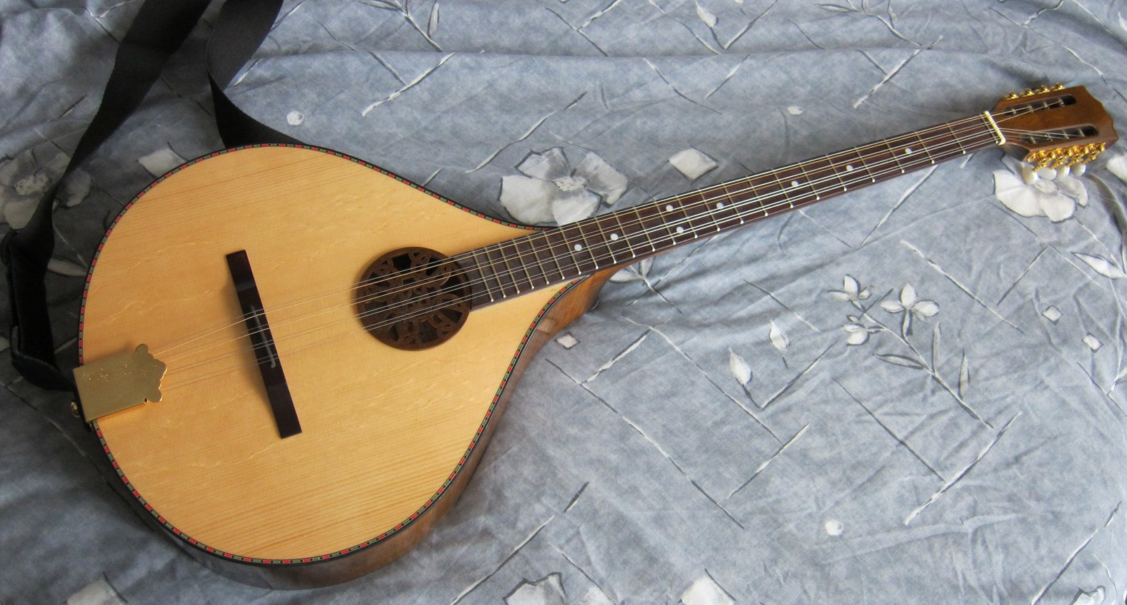 guitare grecque